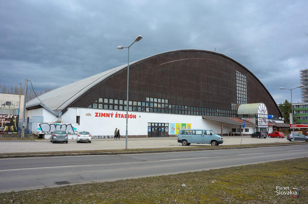 49ea30af3 Verejné korčuľovanie na Zimnom štadióne v Dúbravke - PlanetSlovakia.sk